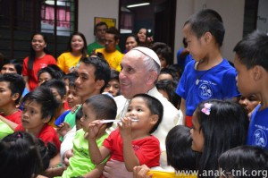 Papal Visit pope with Anak children press release
